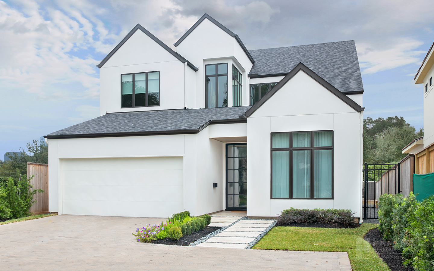 Tanglewood Contemporary front